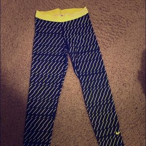 Nike Pro Women's Leggings Lime Green and Black